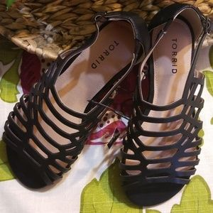NWT Torrid Black Sandals, Size 6W